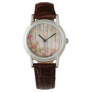 Vintage rustikale romantische Rosen hölzern Uhr