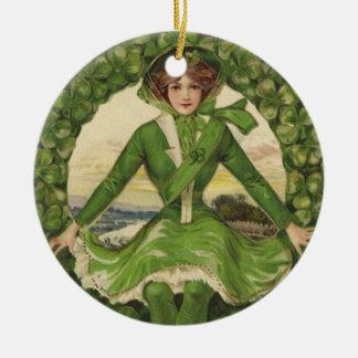 Vintage St Patrick Tagesgrüße, Klee Lassy Rundes Keramik Ornament