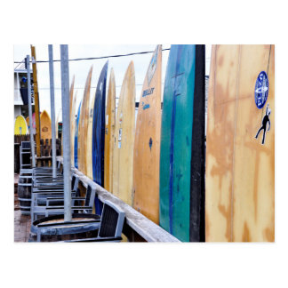 Vintage Surfbretter auf Montauk Strand Postkarte