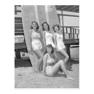 Vintage Surfermädchen Postkarte