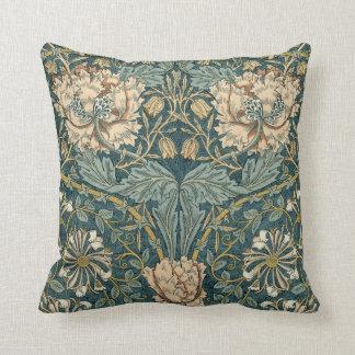 Vintage Tulpen durch William Morris Kissen