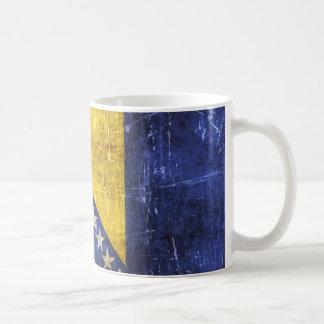 Vintage verkratzte Flagge von Bosnien-Herzegowina Kaffeetassen