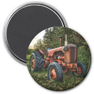 Vintager alter roter Traktor Runder Magnet 7,6 Cm