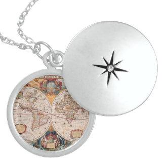 Vintager antiker alte Weltkarten-Entwurf verblaßte Runde Medaillon Halskette