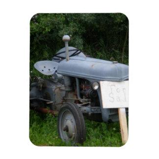 Vintager düsterer blauer Traktor Vinyl Magnete