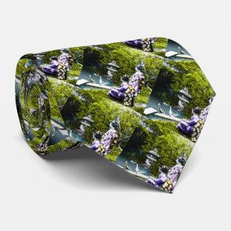 Vintager Geisha-aufpassende Enten im Park altes Bedruckte Krawatten