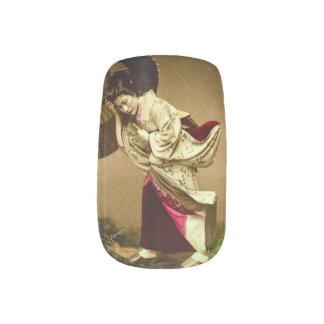Vintager Geisha in einem Minx Nagelkunst