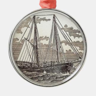 Vintager Heilbuttschooner-runde Verzierung Rundes Silberfarbenes Ornament