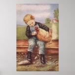Vintager Junge und sein Haustier-Huhn Plakate