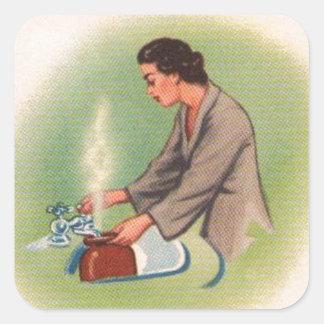 Vintager Kitsch-Vorort-Hausfrau-Tee-Kessel Quadratischer Aufkleber