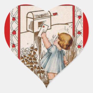 Vintager kleines Mädchenverschickender Herz-Aufkleber