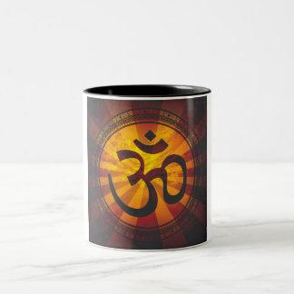 Vintager OM-Symbol-Druck Zweifarbige Tasse