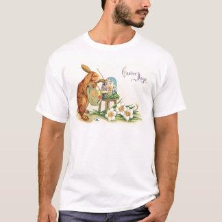 Vintager Osterhase, der Ostereier malt T-Shirt