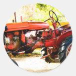 Vintager roter Traktor Runder Sticker