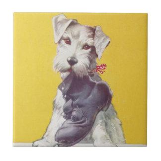 Vintager schottischer Terrier der Fliese mit holt