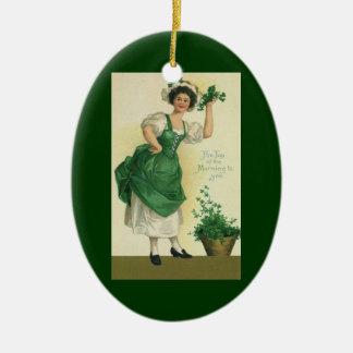 Vintager St Patrick TagesLass, glückliche Ovales Keramik Ornament
