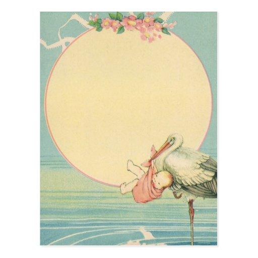 Vintager Storch mit Baby-Mädchen in der rosa Decke Postkarten