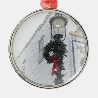 Vintager StraßenlaterneWinter Wreath weißes Rundes Silberfarbenes Ornament