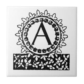 Vintager viktorianischer Monogramm-Buchstabe A Keramikfliese