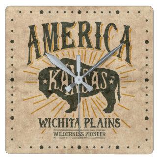 Vintages Americanabison-Logo wichitas Kansas Quadratische Wanduhr