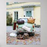 Vintages Auto mit Losen Gepäck Poster