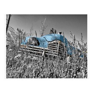 Vintages blaues Auto Postkarte