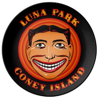 Vintages Coney-Insel-lustiges Gesicht Tillie Luna Porzellanteller