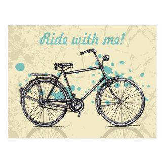Vintages Fahrrad, das Postkarte zeichnet