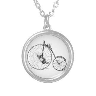 Vintages Fahrrad Halskette Mit Rundem Anhänger