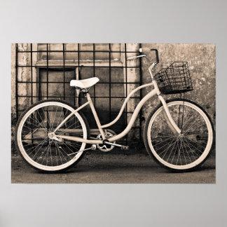 Vintages Fahrrad mit Korb Poster