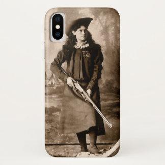Vintages Foto von Fräulein Annie Oakley Holding iPhone X Hülle