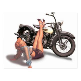 Vintages freches Playful Radfahrer-Button herauf Postkarte
