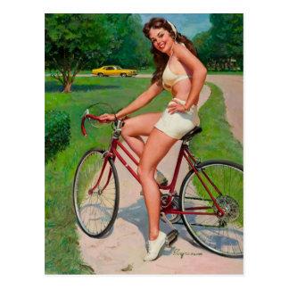 Vintages Gil Elvgren Fahrrad-Radfahrer-Button Postkarte