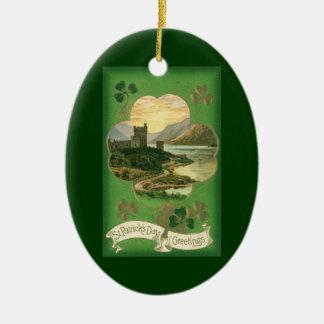 Vintages Gruß-Schloss-Kleeblatt St. Patricks Tages Ovales Keramik Ornament