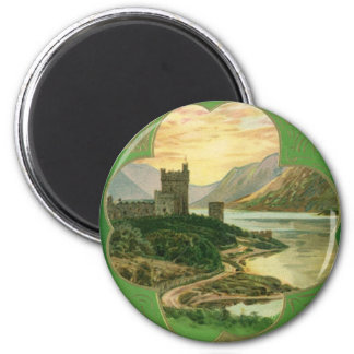 Vintages Gruß-Schloss-Kleeblatt St. Patricks Tages Runder Magnet 5,1 Cm
