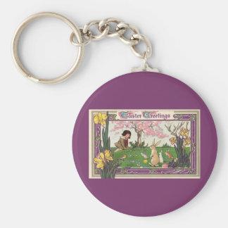 Vintages Kind auf einer Osterei-Jagd mit Tieren Schlüsselanhänger