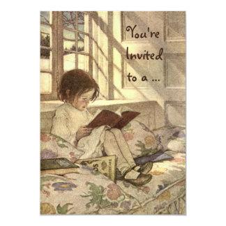 Vintages Kind, das ein Buch-Geburtstags-Party Personalisierte Einladungskarten