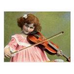 Vintages Kind, das Violinen-Musik-Postkarte spielt