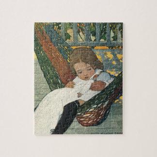 Vintages Kind mit einer Puppe durch Jessie Willcox Puzzle