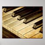 Vintages Klavier befestigt Plakat