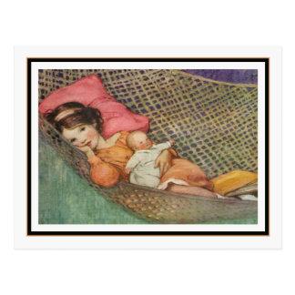 Vintages Mädchen in der Hängematte durch Jessie Postkarte