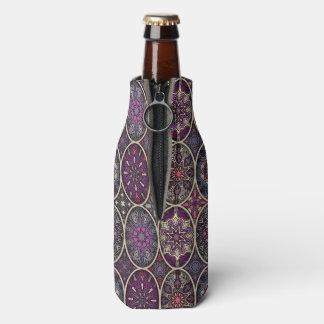 Vintages Patchwork mit Blumenmandalaelementen Flaschenkühler