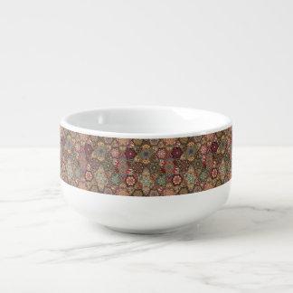 Vintages Patchwork mit Blumenmandalaelementen Große Suppentasse