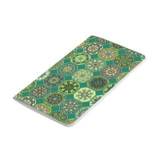 Vintages Patchwork mit Blumenmandalaelementen Taschennotizbuch