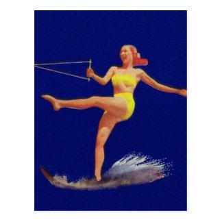 Vintages Pinup-Wasser-Skifahren-Mädchen Postkarte