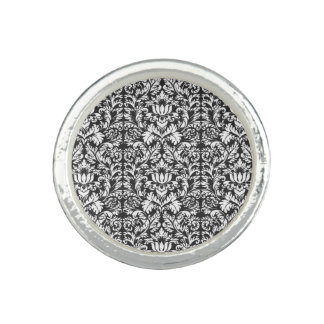 Vintages Schwarzweiss-Muster Ringe