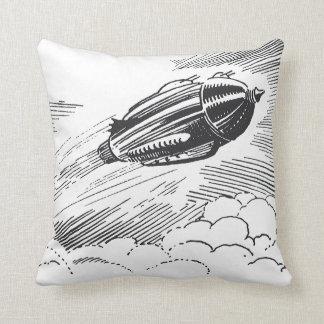 Vintages Science Fiction-Raumschiff Rocket in den Kissen