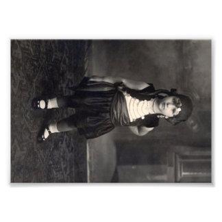 Vintages Sinti und Roma-Mädchen - altes Schwarzwei Kunst Fotos