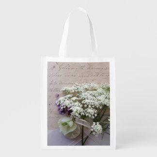 Vintages Skript mit weißen Blumen Wiederverwendbare Einkaufstasche