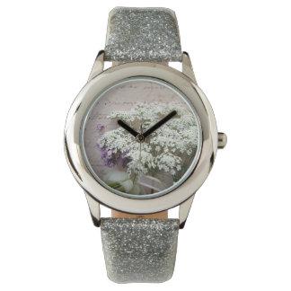 Vintages Skript mit weißer Blumenuhr Armbanduhr